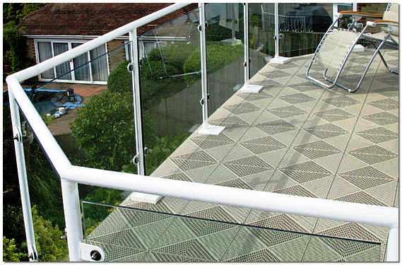 Плитку напольную для открытого балкона купить.